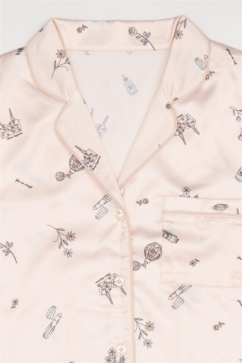 サテンフェミニン柄衿付き前開き長袖パジャマ