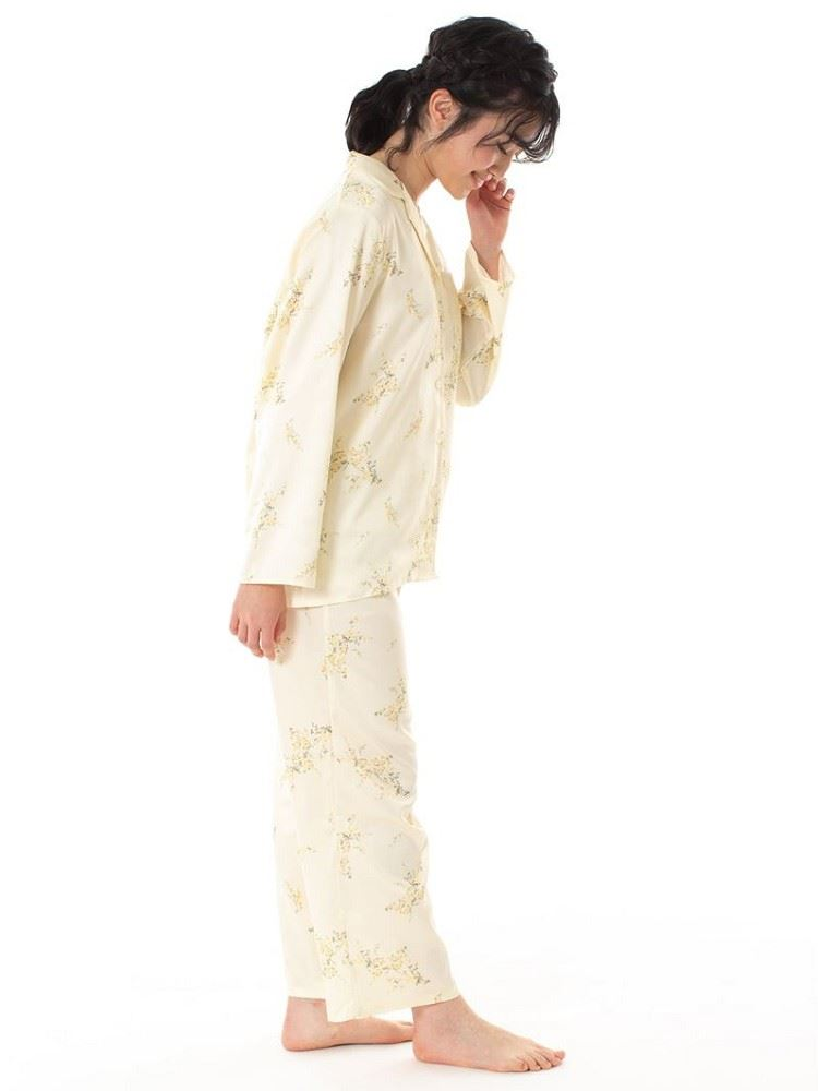 サテン花柄前開き長袖パジャマ