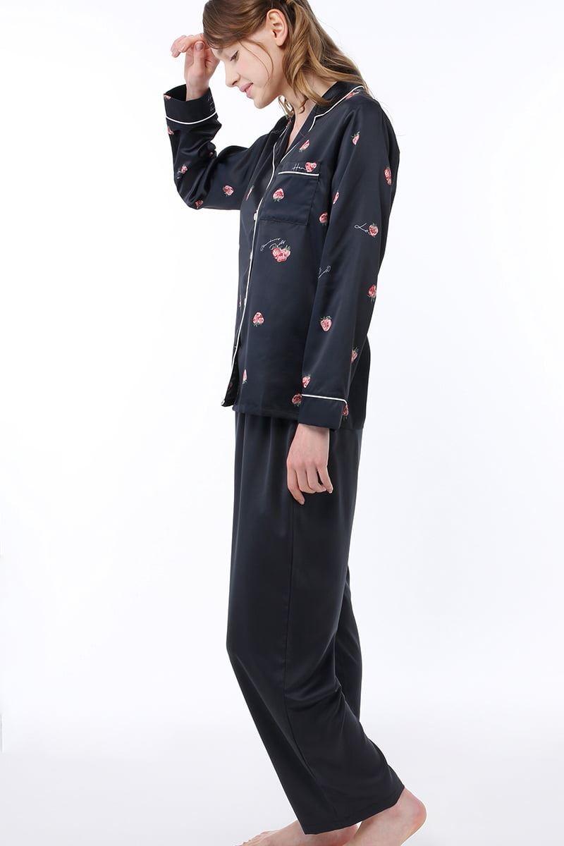 サテンいちご柄衿付前開き長袖パジャマ