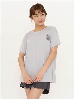 ねこ刺繍ドロップショルダーTシャツ|