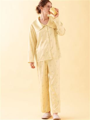 \橋下美好さん着用/ビッグカラー付きビション柄サテンパジャマ パジャマ